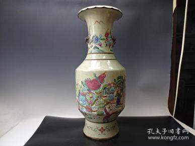 清代粉彩刀马人物花瓶