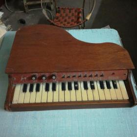 嘉乐牌DZQ3205型 80年代儿童钢琴