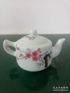 精美手把壶、桃花手把水壶·桃花茶壶·中南海怀仁堂1962陶瓷研究所制落款