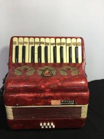 70年代,【鹦鹉】牌,手风琴,保存完整,可正常使用