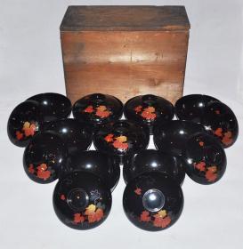 ▲清代日本木胎黑漆嵌螺钿金莳绘漆碗9套 盖碗茶碗盏茶杯盅回流茶道具