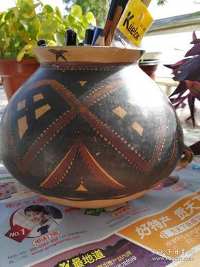 彩色的陶罐