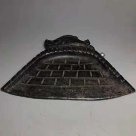 乡下老者收藏多年天然铁陨石皇家聚财簸檱有镇宅,驱邪,招财,保平安的功效尺寸:173x249mm,1.8斤