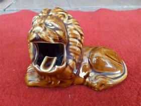 怀旧收藏 八十年代摆件烟灰缸 雄狮造型 生动形象 高9cm长14cm