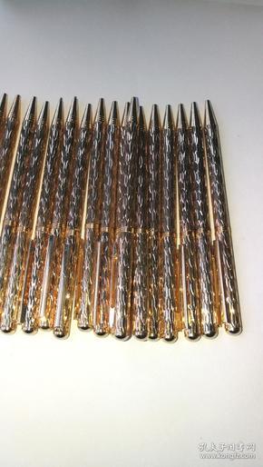 20支台湾产库存金色金属圆珠笔,外观全新
