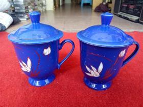 怀旧收藏 八十年代陶瓷水杯 蓝底百花图案 袋盖高度14cm杯口直径