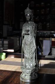 铜雕观音立像