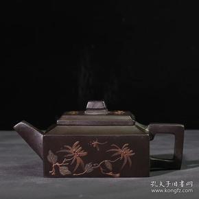 台湾回流老紫砂壶清代老衣柜朱泥清代乾隆年制泥绘扁茶壶壶四方门开关中间的木条图片