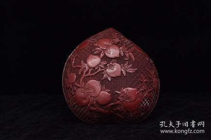 清代 漆器剔红寿桃盒子,工艺复杂,造型独特,自然开片,整体流线非常漂亮,全品,尺寸25*24*12厘米
