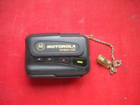 《寻呼机MOTOROLA》带链,中国制造出品,N199号,寻呼机