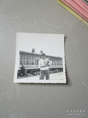 早期老照片美女:八十年代1981年一个相片在桂触手爆4美女衣图片