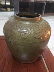 民国酱黄釉蝴蝶大罐