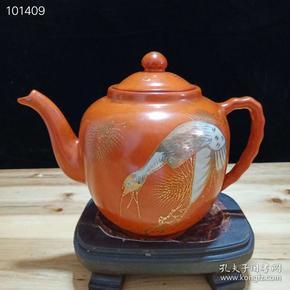 晚清瓷画名家余元昌造底款,珊瑚红手绘描金松鹤延年壶一把,高15厘米