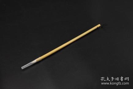 (P3538)《毛笔》1支 ,兼毫 毛笔出峰口直径:1.71cm 笔杆长度:26cm 出峰:6.3cm,笔杆上有张路书画专用字样 文房用具 文房四宝之一 书道用具 书法绘画