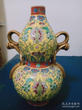 双耳金珐琅彩花葫芦瓶
