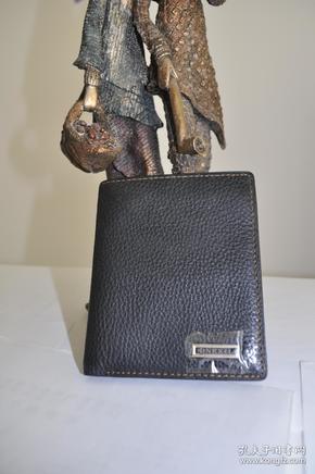 英国DNEXIL登喜路纯牛皮钱包。不同款式大约40个左右。