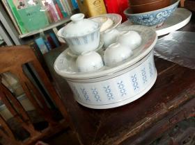 几十年前的潮州工夫茶具一套,釉下彩