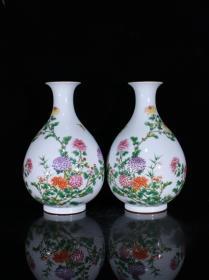 清雍正珐琅彩花卉纹玉壶春瓶一对33×21