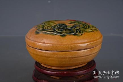 唐彩绘花卉纹粉盒