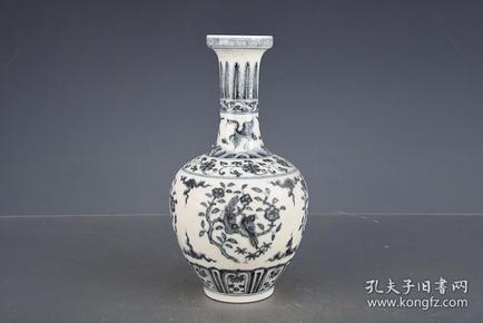 明成化青花团花鸟纹蕉叶瓶