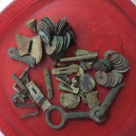 一堆老铜件