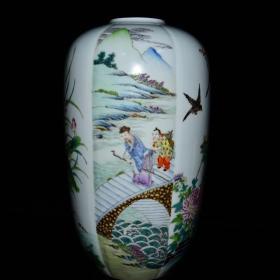 清雍正年粉彩人物花鸟纹灯笼瓶