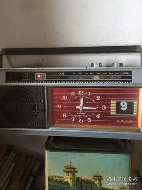 7 80年代上海第四钟厂 收音机闹钟