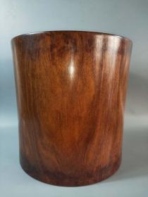 花梨木笔桶  用料厚重 包浆自然  色泽古朴,高31cm,直径31cm