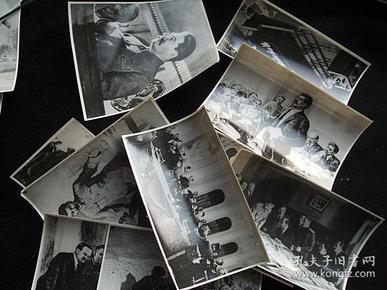 斯大林在苏联十月革命时期的照片10张,大约尺寸10X7厘米。新华社图片上50年代原版照片