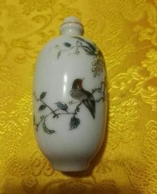 手绘瓷鼻烟壶