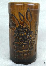 70年代手工雕刻荷花图 竹子笔筒  文房摆件 (有裂缝)