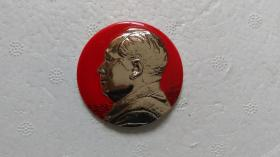 """文革时期出品""""大头像""""(金属质、左侧头像)毛主席像章"""