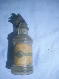 (箱6)民国  金凤香油  广告瓶,内有剩余,尺寸10*4cm