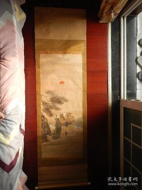 一幅绢本绫裱人物画