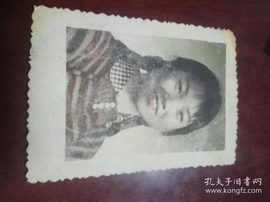 六七十年代彩色照片《美女老照片》一张  8--7cm