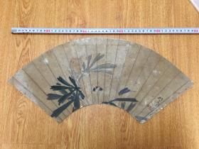 清代日本手绘《花草图》扇面一幅,有落款印章但辨认不出