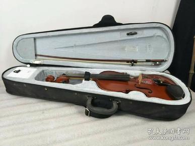 高档乐器,大号小提琴,声音洪亮,正常使用,保存完整,包老