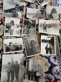 老照片:六七十年代  一个部队美术工作者  照片二百多张