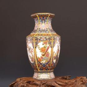大清雍正年制字样的款,珐琅彩描金六方花鸟,梅瓶。尺寸:高约23.80CM,口径约8.80CM,肚径约12.50CM ,底径约7.50CM重量约:1.10KG