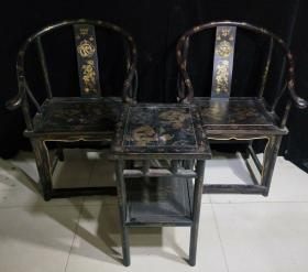 老漆器桌椅一套,桌子长45厘米,宽39厘米,高70厘米,椅子长61厘米,宽48厘米,高1米