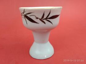 创汇期蓝釉手绘竹子 瓷酒杯 杯底镶有玻璃球喝酒时呼之欲出的感觉