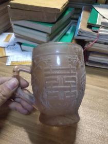 民俗题材婚俗题材:八十年代结婚用的杯子,带喜字花鸟图案。杯体厚实