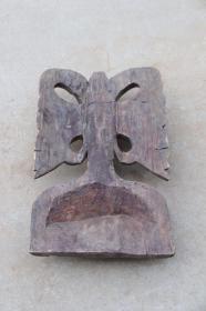 楠木雕人物抽象挂件,清代,雕工精湛,纹理清晰,保存完好