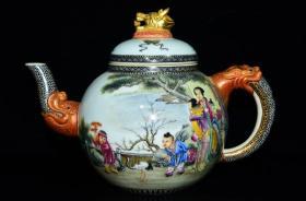 清乾隆年鎏金人物纹龙壶