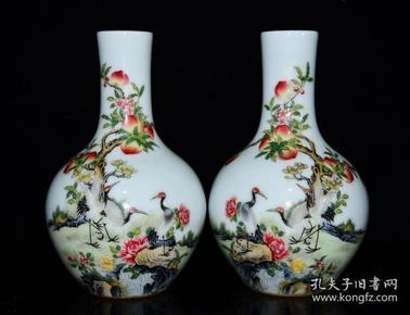 清雍正珐琅彩福寿纹天球瓶