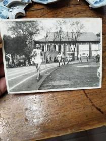 南京大学第四届校运会长跑 照片