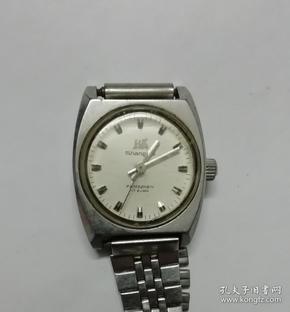 上海牌17钻女式机械表(5520)一块,品相见图,实物拍摄,按图发货。