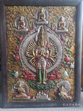 唐卡立体浮雕西藏佛像,包浆浑厚,色彩艳丽,造型大气,品相一流