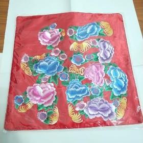 纯真丝刺绣。可用于座垫、摆设、抱枕。全新未拆封。不含枕芯。低于网上和市场价。百分之百天然丝线。