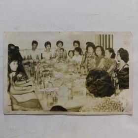 民国家庭宴会中画幅照片14厘米
